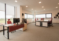 TOBO Meble biurowe Noter: biurka na stelażach metalowych, kontenery, przegrody biurkowe, krzesła biurowe